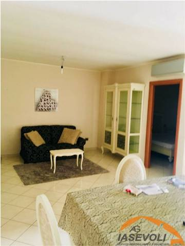 Appartamento in buone condizioni in vendita Rif. 6203649