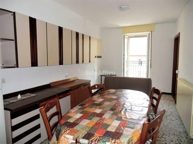 Appartamento in buone condizioni arredato in affitto Rif. 6215473
