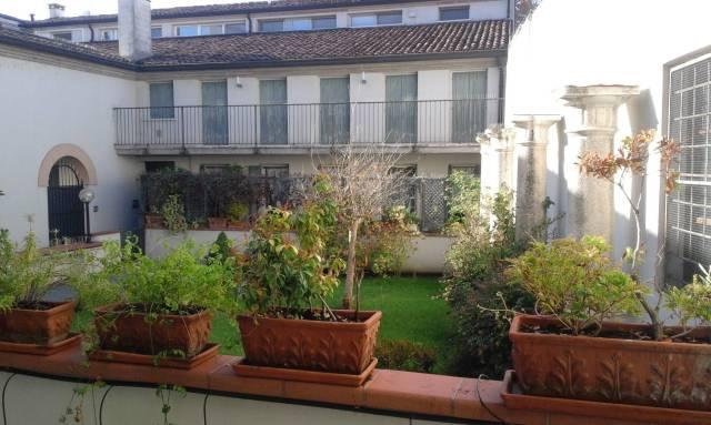 Appartamento in ottime condizioni in vendita Rif. 6260272