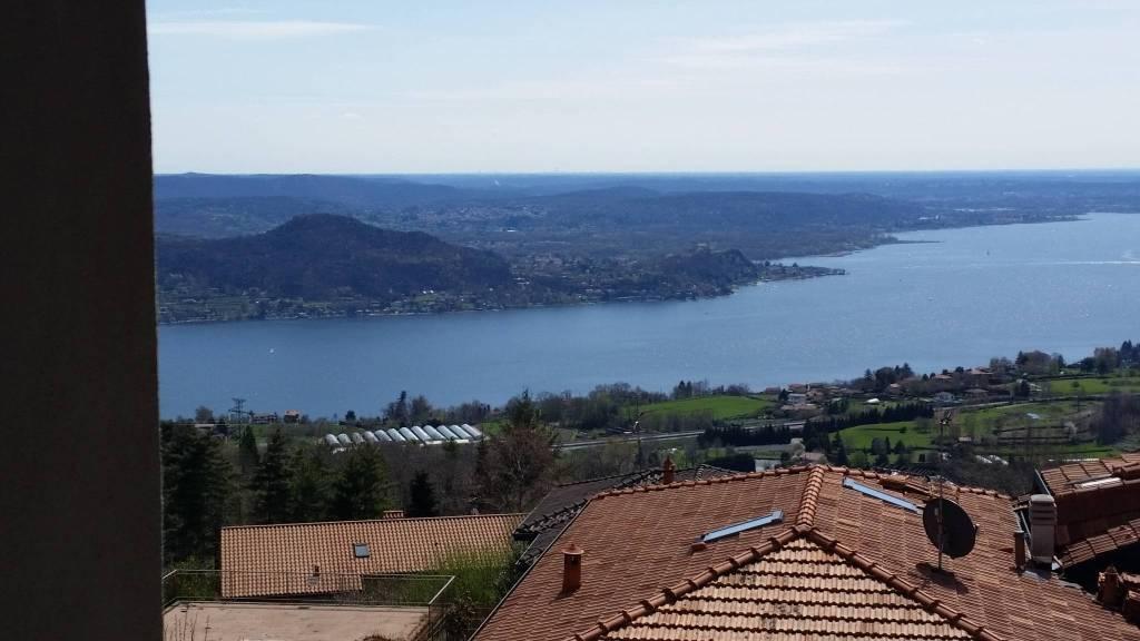 Bilocale vista lago con terrazzo