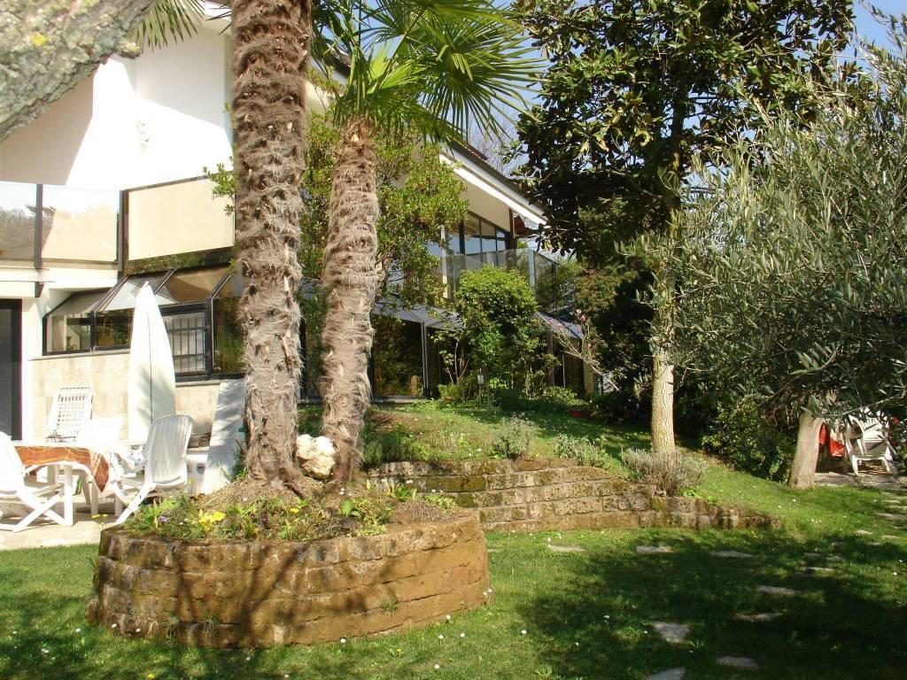 Foto 1 di Villa strada Rio Martello, Pecetto Torinese