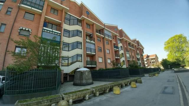 Appartamento in buone condizioni in affitto Rif. 5895529