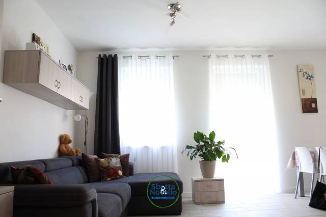 Appartamento in ottime condizioni parzialmente arredato in vendita Rif. 6259925