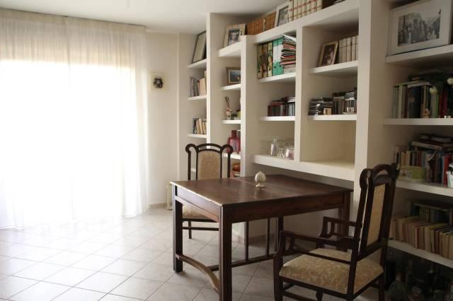 Appartamento in ottime condizioni in vendita Rif. 6256224