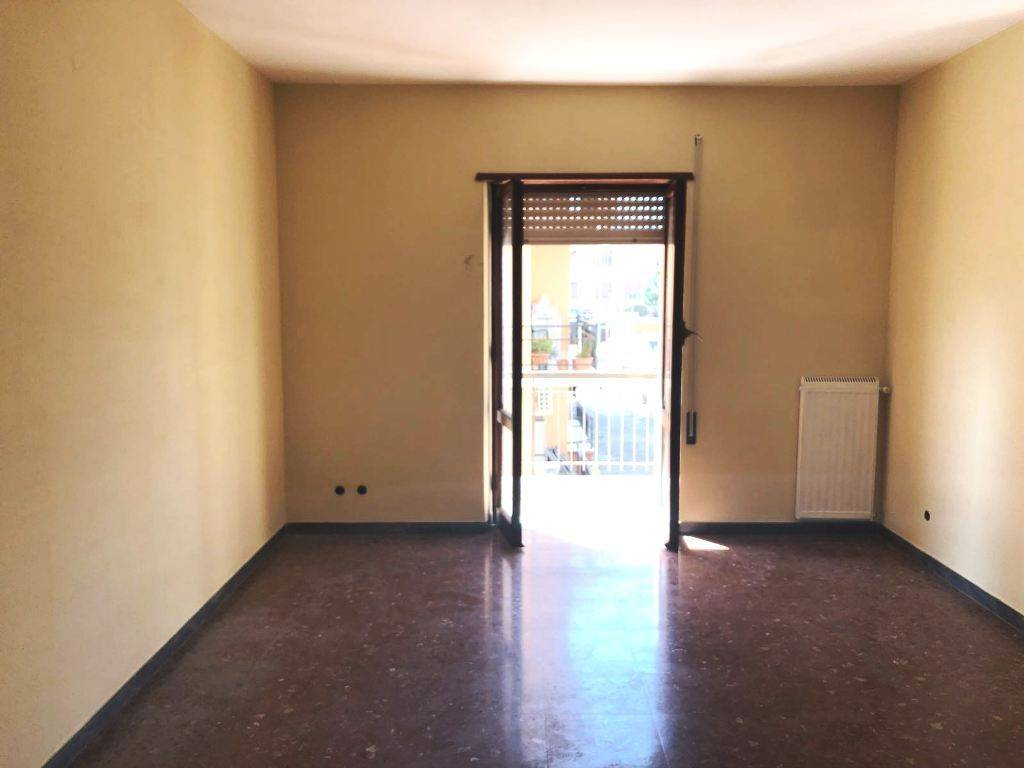 Appartamento in buone condizioni in affitto Rif. 6253724