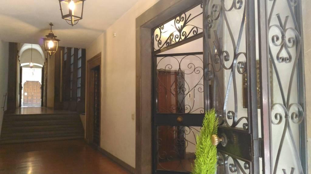 Appartamento in ottime condizioni arredato in affitto Rif. 8596806