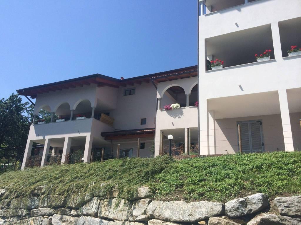 Appartamento in buone condizioni in vendita Rif. 6253892