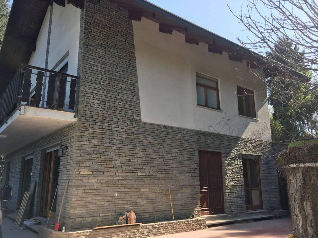 Foto 1 di Villa strada Val Salice 227, Torino