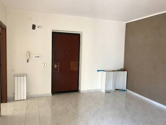 Appartamento in buone condizioni in affitto Rif. 6916277