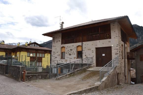 Rustico / Casale da ristrutturare in vendita Rif. 6254350