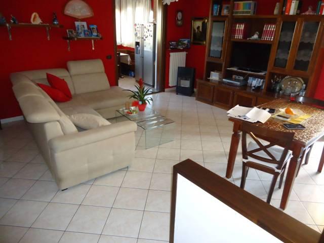 Appartamento in ottime condizioni in vendita Rif. 6257786