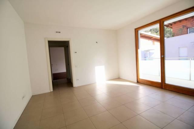 Appartamento in ottime condizioni in vendita Rif. 6259583