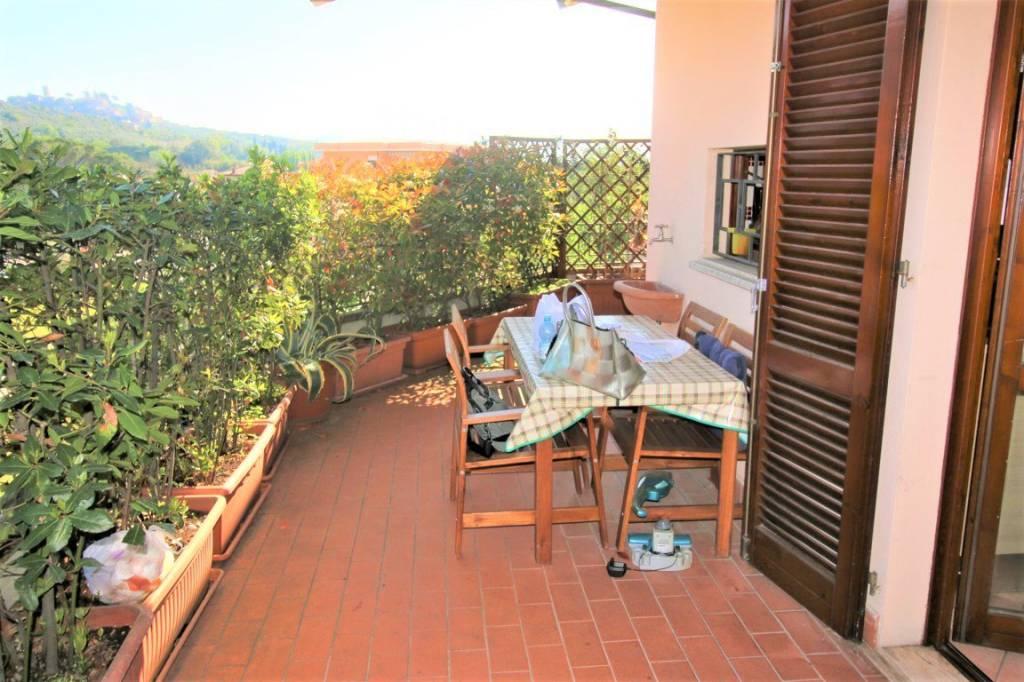 Appartamento in buone condizioni arredato in vendita Rif. 9243998