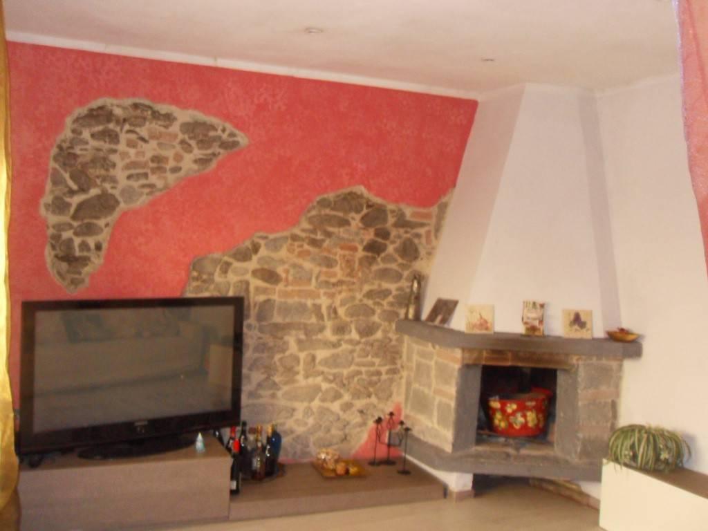 Casa Indipendente in buone condizioni in vendita Rif. 6255989