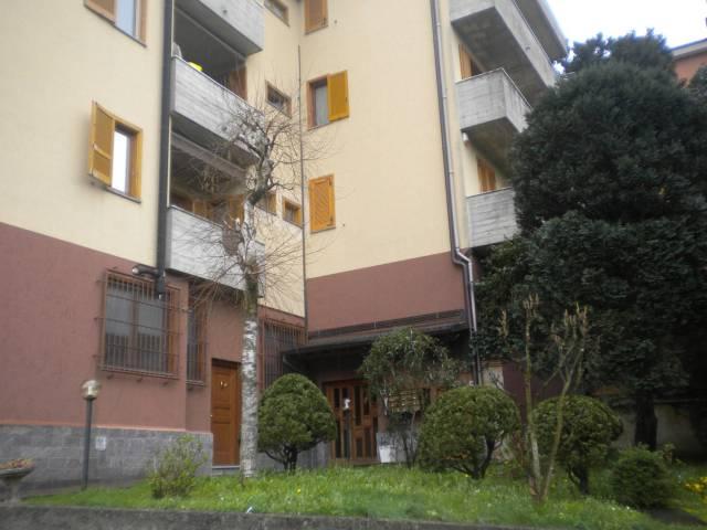 Appartamento in buone condizioni parzialmente arredato in vendita Rif. 6254540