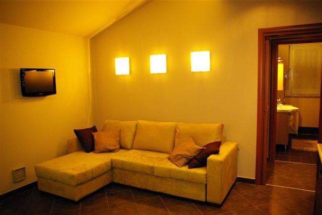 Appartamento in affitto a Govone, 2 locali, prezzo € 350 | CambioCasa.it