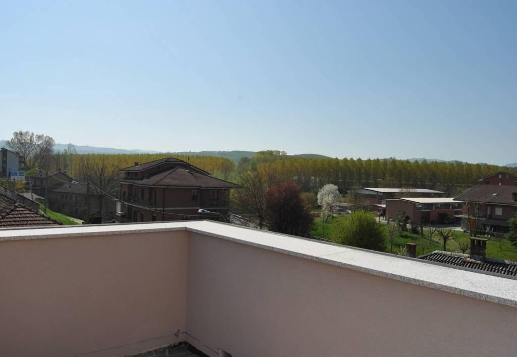 Appartamento in vendita a Grinzane Cavour, 4 locali, prezzo € 300.000   PortaleAgenzieImmobiliari.it