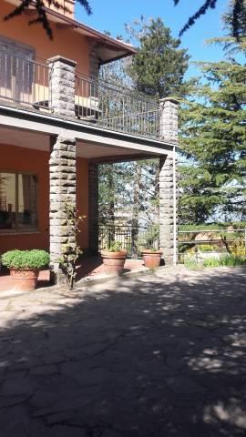Appartamento in buone condizioni in vendita Rif. 6973180