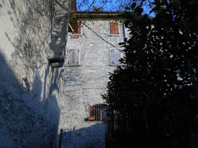 Appartamento in ottime condizioni arredato in vendita Rif. 6254267