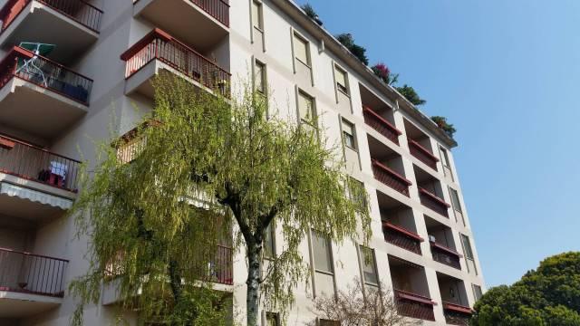 Appartamento in buone condizioni in vendita Rif. 6278122