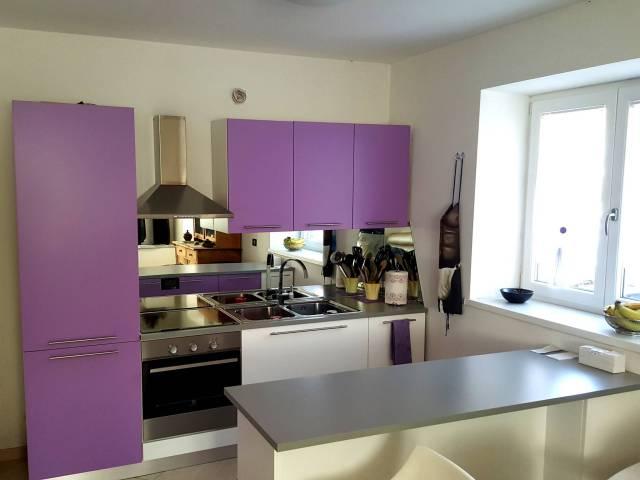 Appartamento in ottime condizioni parzialmente arredato in vendita Rif. 6215454