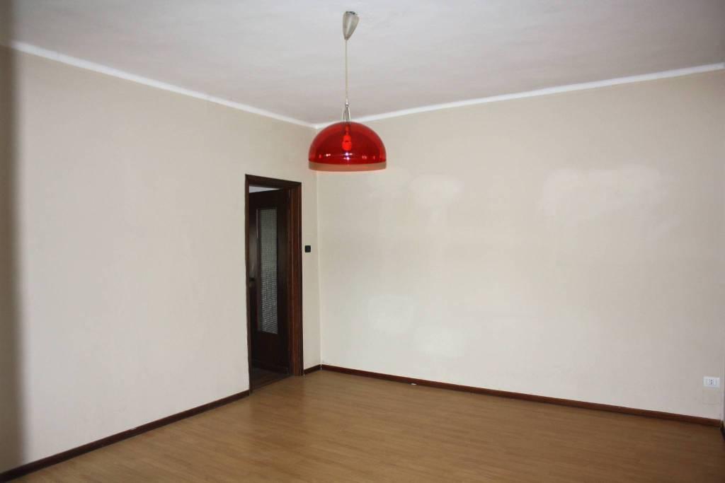 Appartamento in buone condizioni in vendita Rif. 6276243