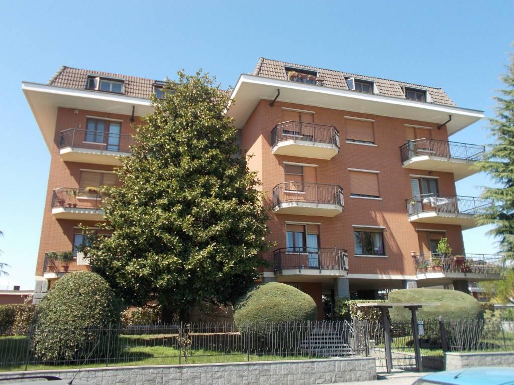 Foto 1 di Trilocale via Lombardore 93, Leinì