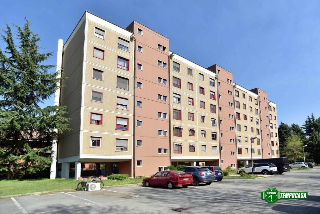 Appartamento in buone condizioni in vendita Rif. 8914711