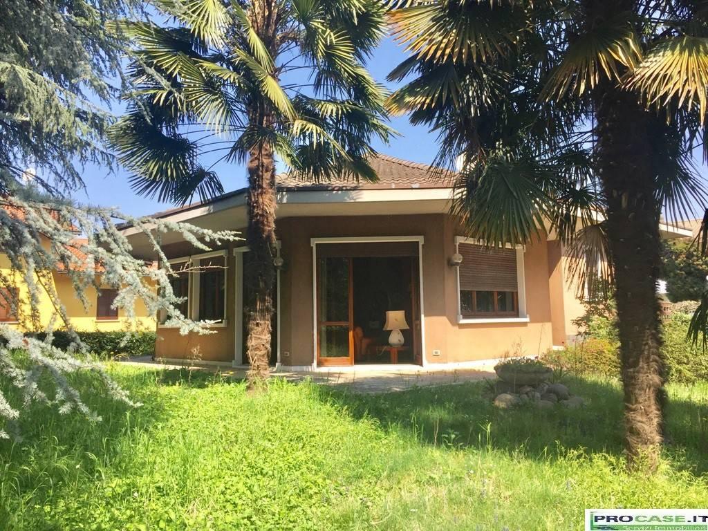 Villa in vendita a Gerenzano, 5 locali, prezzo € 420.000 | CambioCasa.it