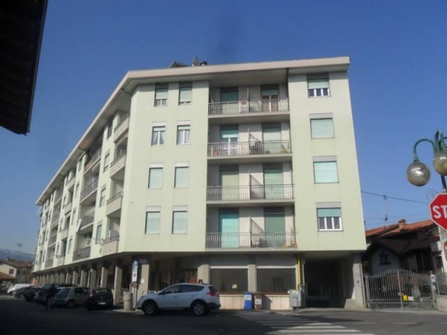 Appartamento in buone condizioni in vendita Rif. 5769018