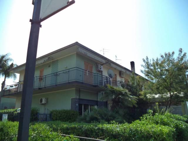Appartamento in buone condizioni in vendita Rif. 6278860