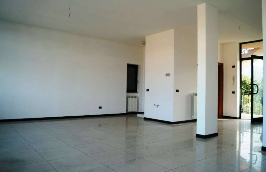 Ufficio / Studio in affitto a Gemonio, 1 locali, prezzo € 550 | CambioCasa.it