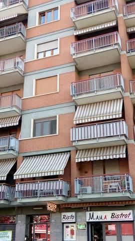 Appartamento in buone condizioni in affitto Rif. 6278808