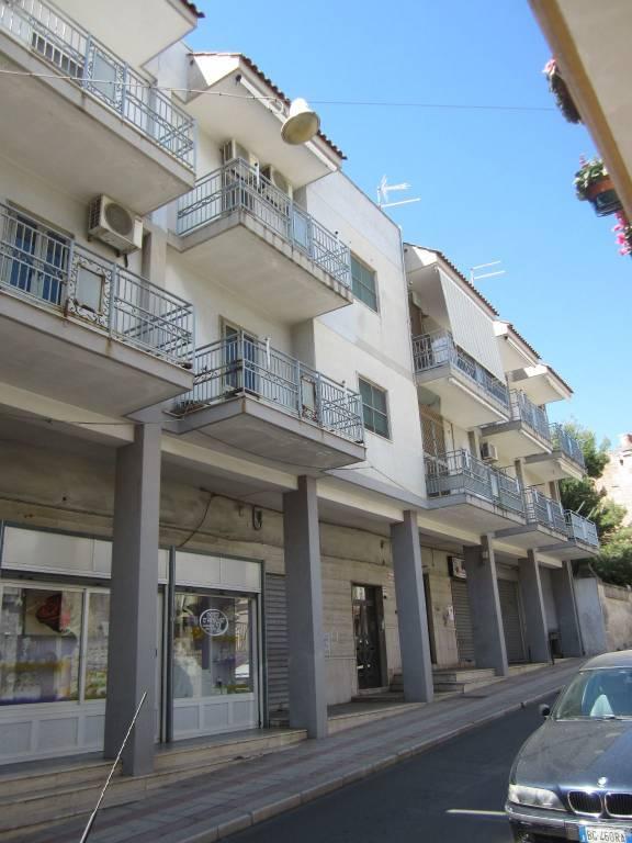 Appartamento in buone condizioni in vendita Rif. 6289933