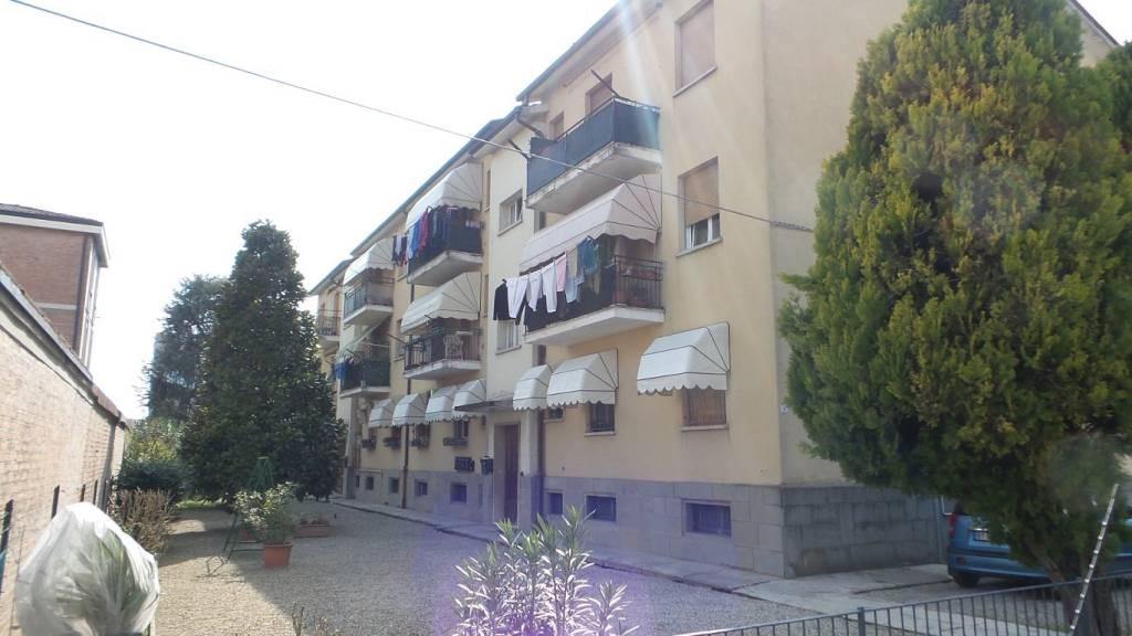 Appartamento parzialmente arredato in vendita Rif. 9261419