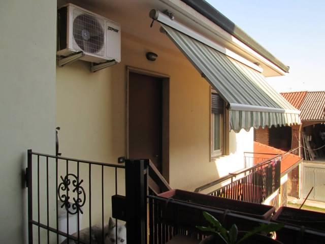 Appartamento in buone condizioni in vendita Rif. 6291622