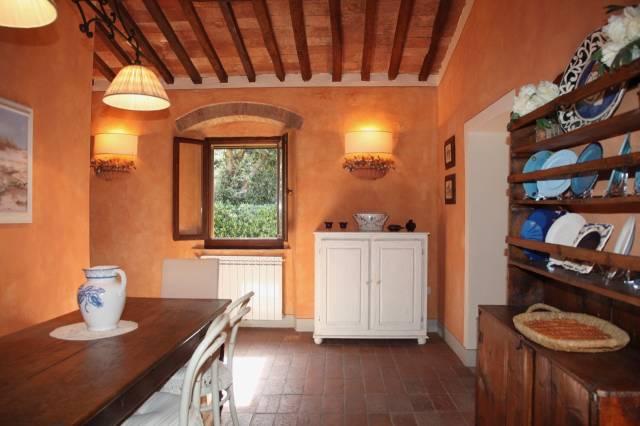 Appartamento in ottime condizioni parzialmente arredato in vendita Rif. 6296760