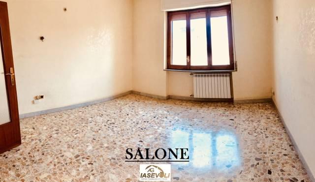 Appartamento in buone condizioni in affitto Rif. 6916278