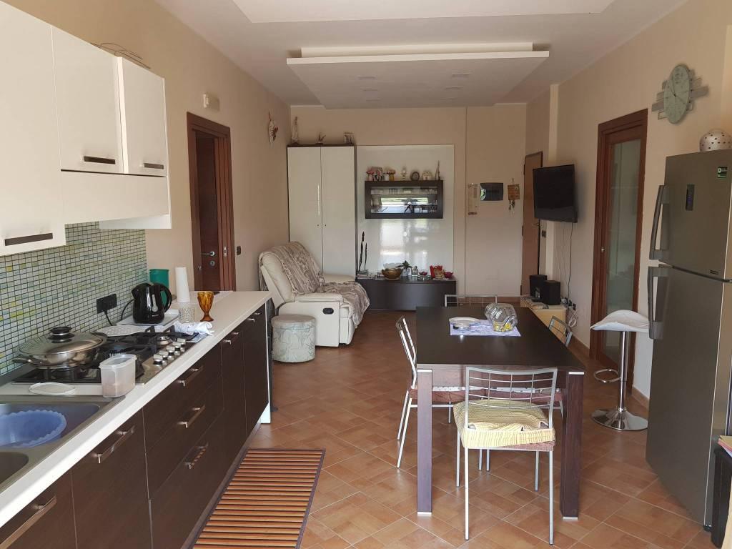 Appartamento in ottime condizioni in vendita Rif. 6293202