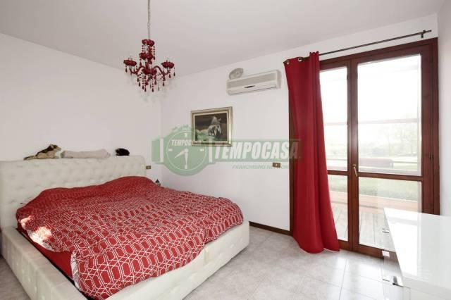 Appartamento trilocale in vendita a Rozzano (MI)