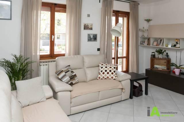 Appartamento in ottime condizioni in vendita Rif. 6295523
