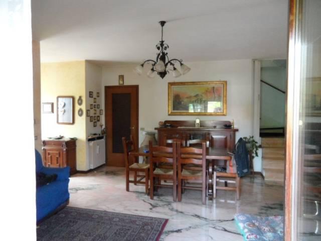 Appartamento in buone condizioni in vendita Rif. 6291247