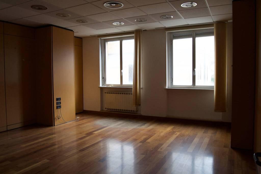 Appartamento da ristrutturare in vendita Rif. 6300299