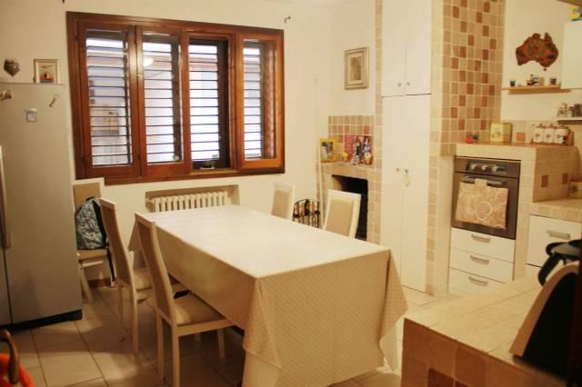 Appartamento in ottime condizioni in vendita Rif. 6291957