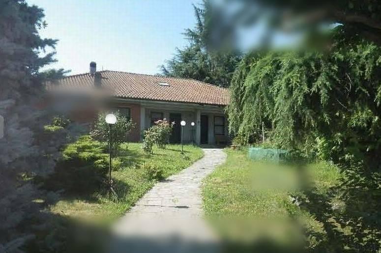 Villa in vendita a Rivarolo Canavese, 4 locali, prezzo € 98.000 | CambioCasa.it