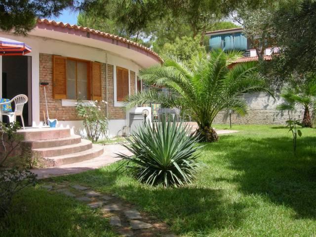 Villa in buone condizioni arredato in vendita Rif. 6290337