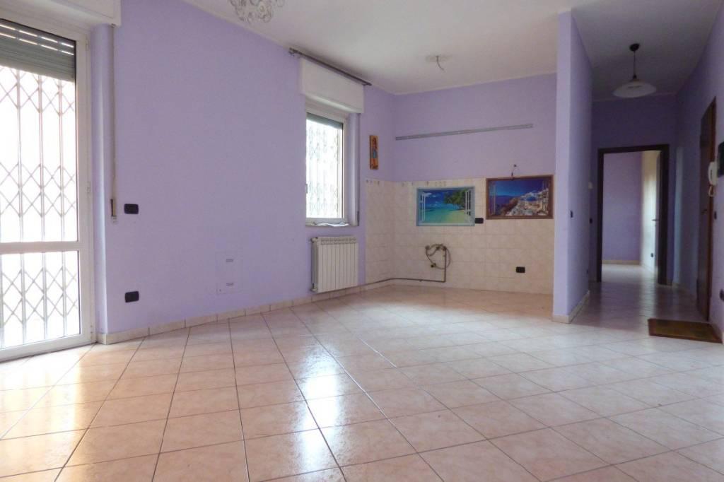 Appartamento in ottime condizioni in vendita Rif. 8716174