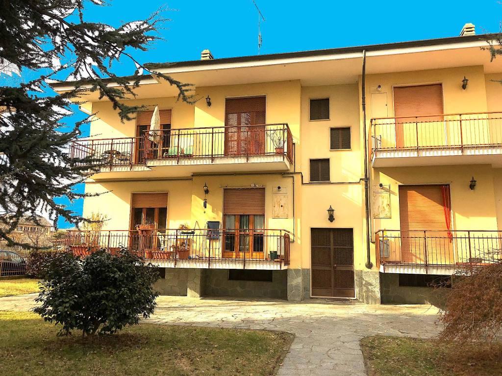 Appartamento in buone condizioni parzialmente arredato in vendita Rif. 6295765