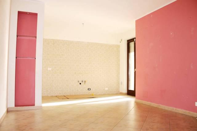 Appartamento in ottime condizioni in affitto Rif. 6838553