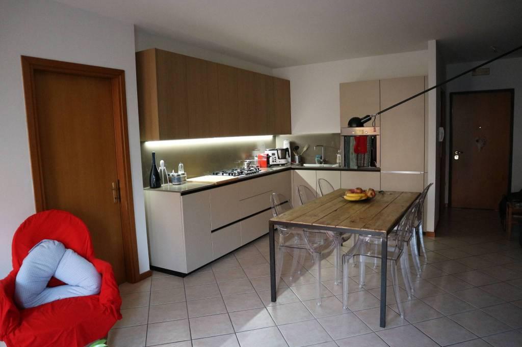 Appartamento in ottime condizioni arredato in vendita Rif. 6293203